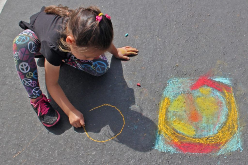 chalk drawing kids outdoor fun activities